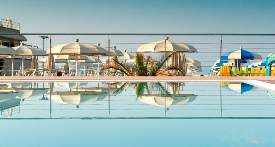 Hotel Lina: una vacanza con il mare di fronte